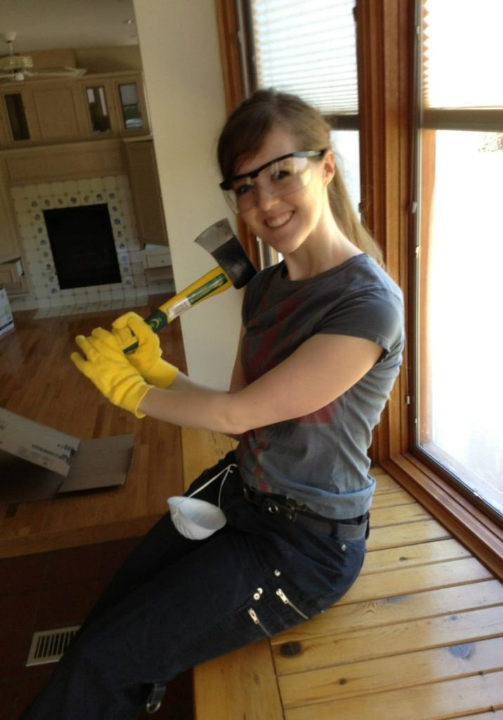 Laura the builder